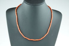 Old Dutch red coral necklace with 14 kt gold clasp, no reserve price