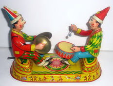 EHN, Western Germany - Length 22 cm - Tin wind-up Musical Clowns, Roberto and Antonio, 50s