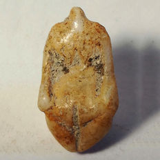 Neolithic stone idol - steatopygia mother goddess - 20 x 13 x 10 mm