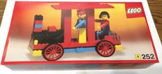 Building Set with People - 252 - Locomotive with Driver & Passenger