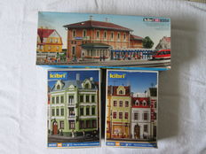 "Kibri H0 - 9358/38384/38385 - 3 kits: station ""Wilhelmsbad"", houses at the Postal Square, house at  the Elbe Square in Görlitz / Neiße"