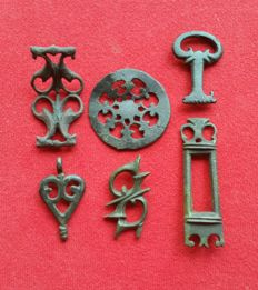 Roman Empire - Lot with 6 military appliques (fittings) 3.8/6.1cm (4)