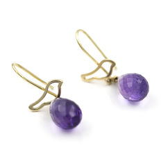 Bird design earrings in yellow gold with amethyst