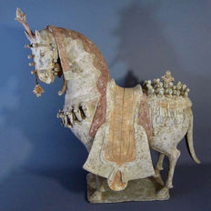 Rare Mingqi, large terracotta parade horse with its thermoluminescence test, Northern Wei period - 55 cm high x 46 cm long