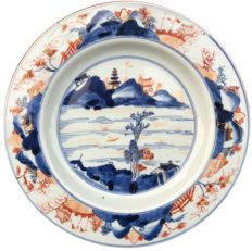 Imari plates - China - first half 18th century