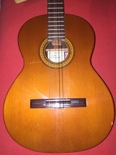 Guitar Juan Estruch Luthiers Del Valles model 150 from 1990