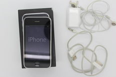 Apple iPhone 3GS 32GB black inc. charger, original box