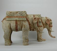 Chinese Pair of painted pottery figures of elephants - with TL-Analysis - H. 25 cm (2x)
