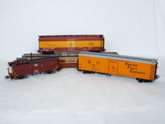 """Märklin H0 - 45703/45711/47780 – Three freight carriages including """"Milwaukee Road """" carriage of the American Railroads"""
