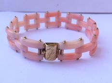 Bracelet – pink coral and 18 kt gold – crafted by hand – length 21 cm
