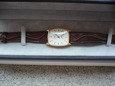 Longines mod. Ultra Chron Cal. L56, in 18 kt gold, men's wristwatch, 1980s