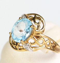 Blue topaz ring, 333 gold