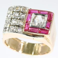 Retro bicolour gold cocktail ring with diamonds and rubies - anno 1940