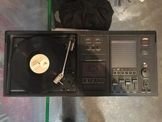 SCHNEIDER 1702 record player, cassette player, radio