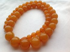 Old Baltic amber necklace from the USSR era, 64 g (2.25 oz)