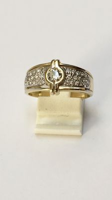 14 kt gold ring set with 0.69 ct brilliant cut diamonds – Ring size 19