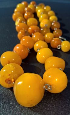 100% natural Baltic amber: not pressed, not modified, 72 grams.