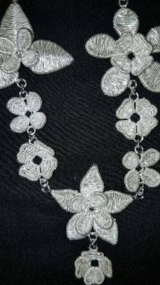 Designer Cristina Palacios – big garden necklace and earrings with black crystal – silver embroidery by hand and lost-wax smelting – Mexican silver collection