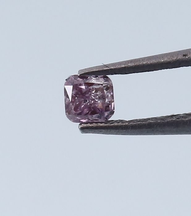 0.08 ct IGI Certified Natural Fancy Intense Pink Diamond
