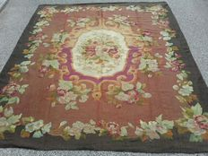 Aubusson rug, France, Louis Philippe, second half of the 1800s, 252 x 214 cm.
