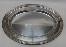 Oval silver tray. USA. Century XX, LORD SAYBROOK. Meriden. Connecticut