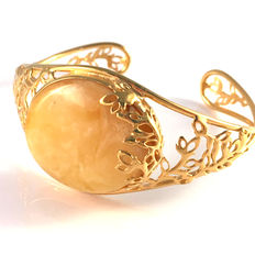 Baltic amber goldplated bracelet with cabochon cut egg yolk colour, 100% natural Baltic amber - not pressed, modified of melted, 22.8 grams