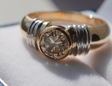 Yellow gold diamond solitaire ring, 1.0 ct, Champagne