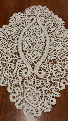 Beautiful Rosaline doily, Italy, circa 1890