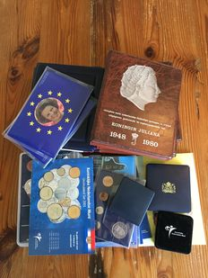 The Netherlands, lot with various year sets, albums and tokens