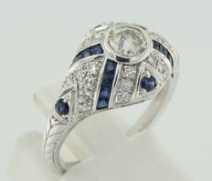 Splendid Art Déco 14 kt white gold ring