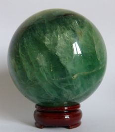Green Fluorite, with stand - 11 cm - 1.980 kg