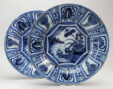 Set with Delft plates decorated in Wanli style