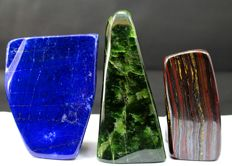 Collection of hand-polished Nephrite, Tiger's Eye and Lapis Lazuli tumbles - 130, 102 and 94mm - 2036gm  (3)