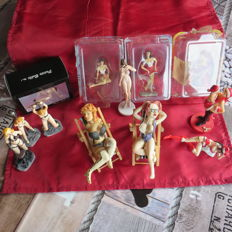 Varia; 12 figures (pin-up, SM, etc.) - 21st century