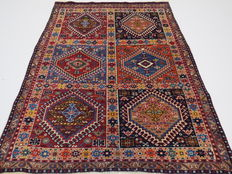 Dreamily beautiful Persian carpet, Yalameh/Iran, 150 x 110 cm, end of the 20th century. In good condition, fine weave