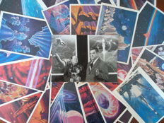 Paintings on postcards:  kosmonaut Leonov en schilder Sokolov