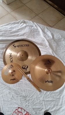 Three cymbals including one Symrna - Icon handmade cymbals, 20'' / 50 cm ride + 2 new Paiste 802, see details