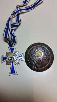 2 Pieces:  3rd Reich - Mother Cross and German Reich Women's Labour Service Brooch
