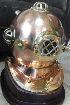 Lovely large replica of a US Navy diving helmet including stand.
