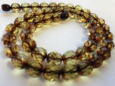 Faceted greenish, brown yellow Baltic Amber necklace, 19 gr. No Reserve
