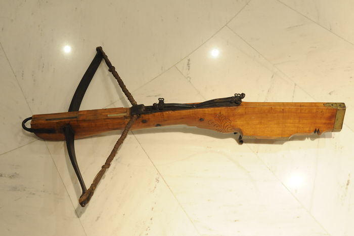 Rare, beautifully finished crossbow, antique, Alpine, (Switzerland?), mid-19th century
