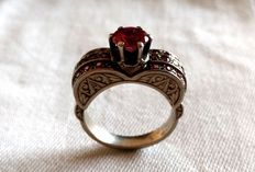 White gold ring with rubies, 40s