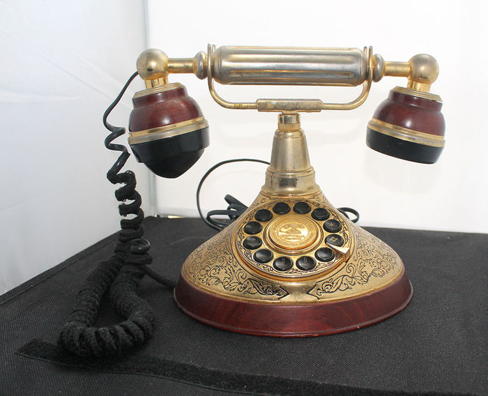 Franklin Mint 1997 - telephone - Alexander Graham Bell