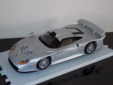 UT Models - Scale 1/18 - Porsche GT1 Streetcar 1997 - colour: Silver metallic