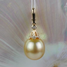 Enhancer pendant with golden South Sea pearl, 12 mm, and 7 diamonds, 0.03 ct