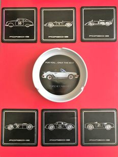 Lot of 2 Porsche objects - coasters in leather & ashtray - Circa 1970/1980