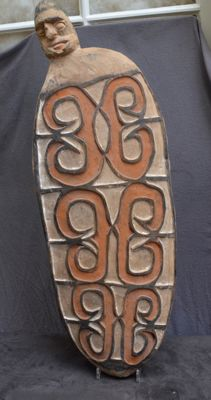 Large sago tray with a head - Asmat - West Papua