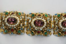 Richly decorated filigree bracelet – Amethyst, emerald and ruby