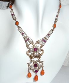 Necklace with 3 ct of rubies, natural pearls, coral beads made of 375 / 9 kt gold - Italy