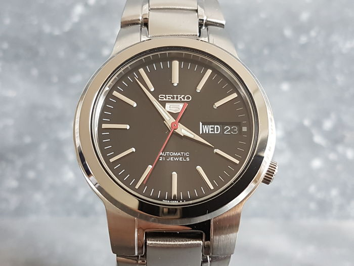 Seiko 5 - automatic 21 jewels  Men's Wristwatch - unworn - 2017.